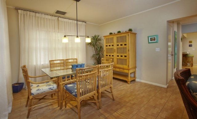 playa_linda-townhome-dining_1.jpg